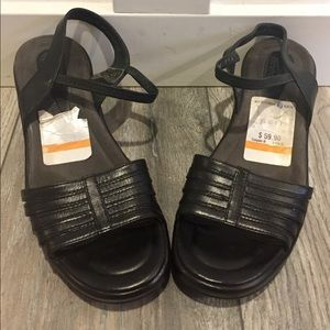 NWT DANSKO Black Leather Sandal Shoes